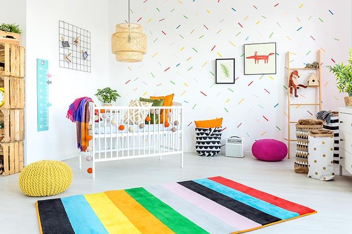 couleurs vives chambre bébé fille