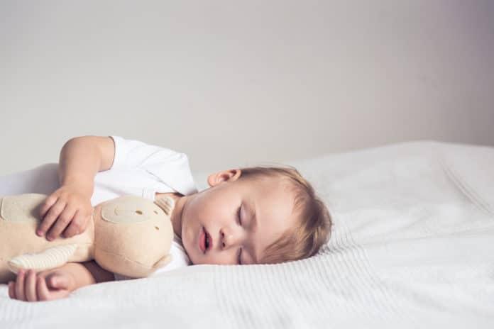 Bébé-ne-dort-pas-conseils-et-méthodes-douces-pour-endormir-bébé