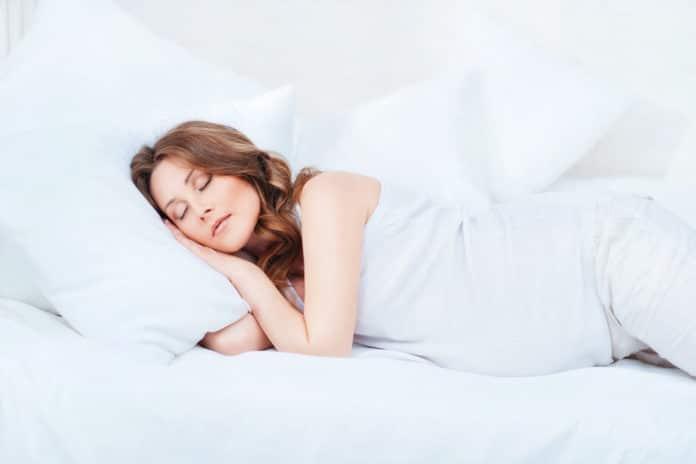 Comment bien dormir quand on est enceinte ?