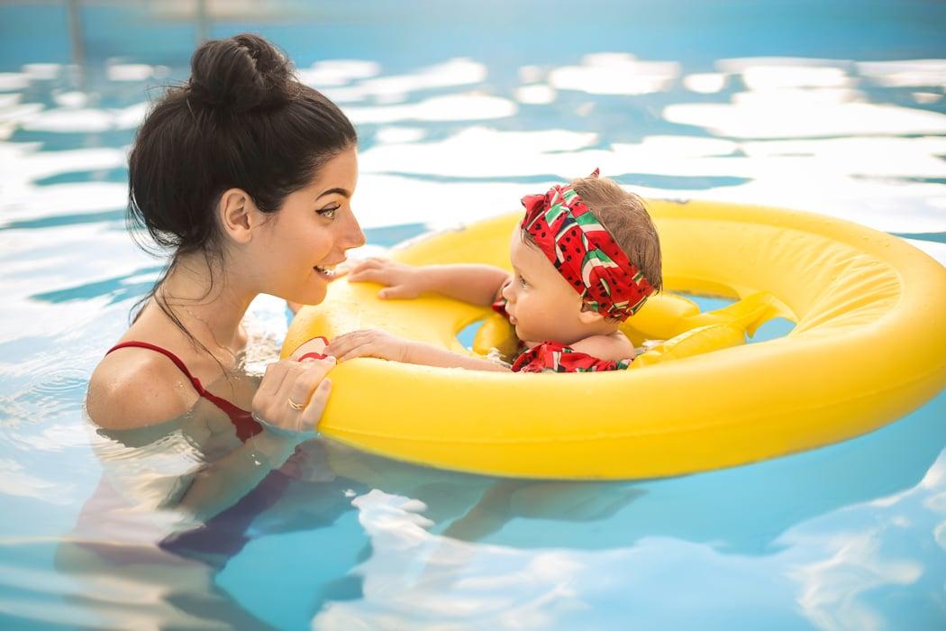 bouée brassard gilet que chosir pour baignade bébé piscine .jpg