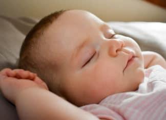 comment habiller bébé pour la nuit selon les saisons (1)